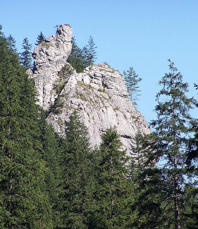 'Sowa' - z jej jaskiniami wiążą się legendy o ukrytych skarbach
