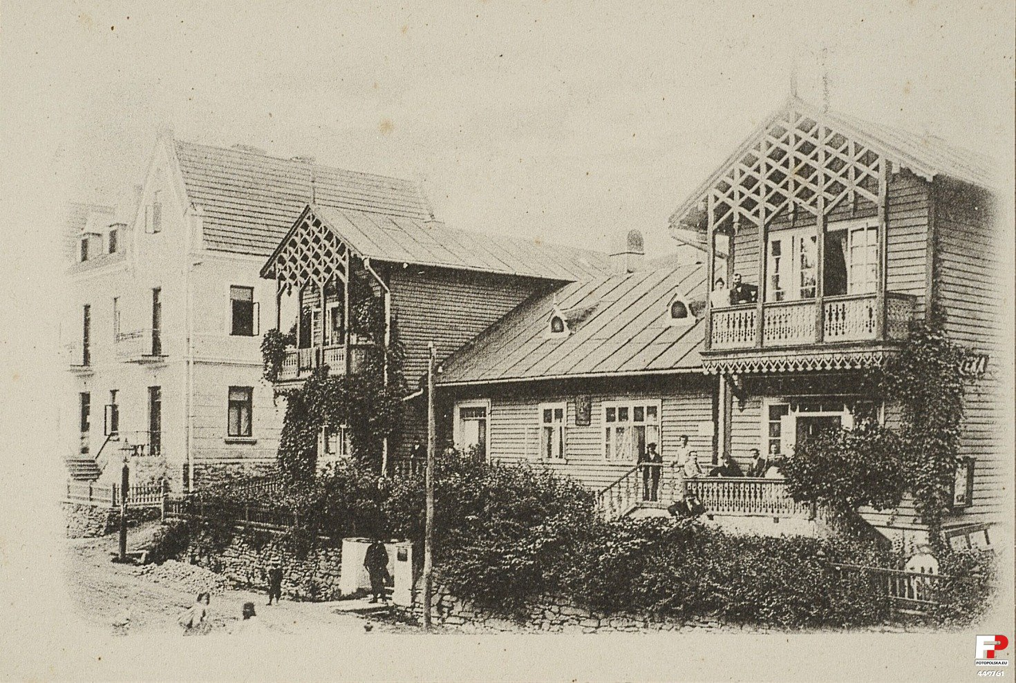 Willa Krakus (ul. Kraszewskiego 12) - tu H. Nitribitt założył w 1860 r. słynną aptekę