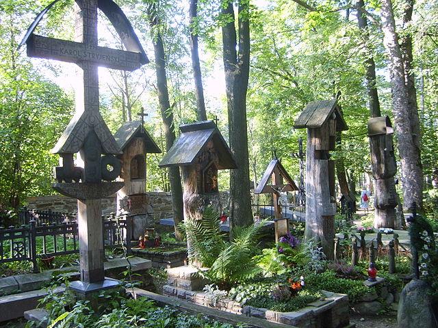 Cmentarz na Pęksowym Brzyzku - niewątpliwie jeden z najpiękniejszych w Polsce