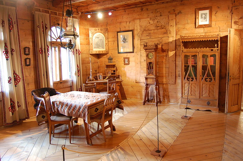 wnętrze Muzeum Stylu Zakopiańskiego