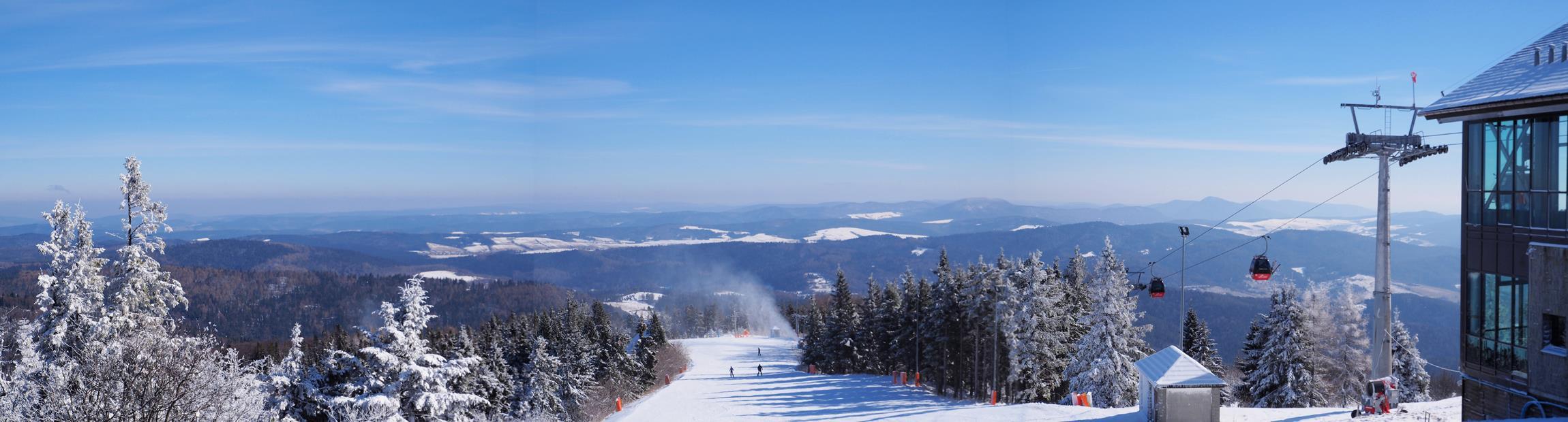 Zimowa panorama z Jaworzyny Krynickiej.