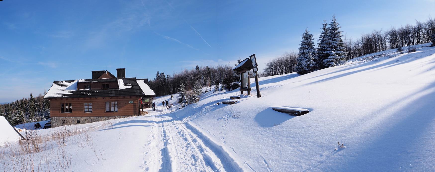 Łabowska Hala zimą.