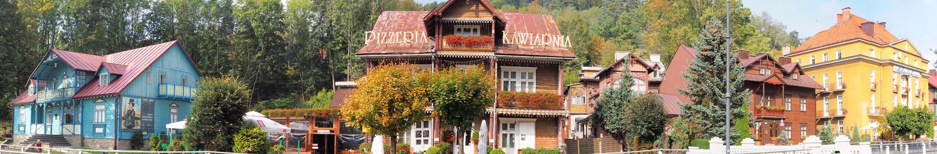 Bulwary Dietla w Krynicy i cały szereg zabytków arch. drewnianej.