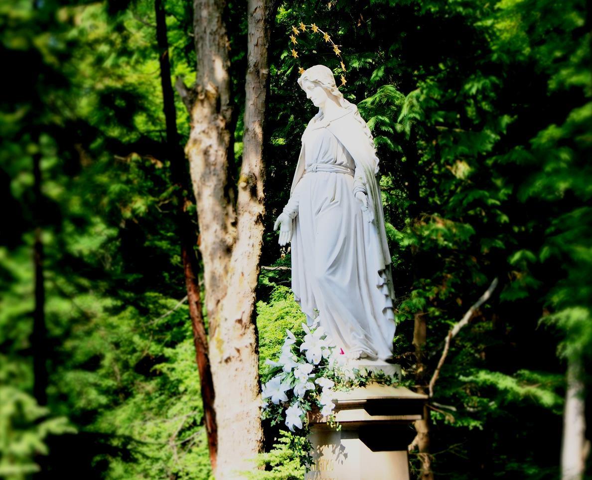 Królowa Krynickich Zdrojów - piękna rzeźba epoki romantyzmu.