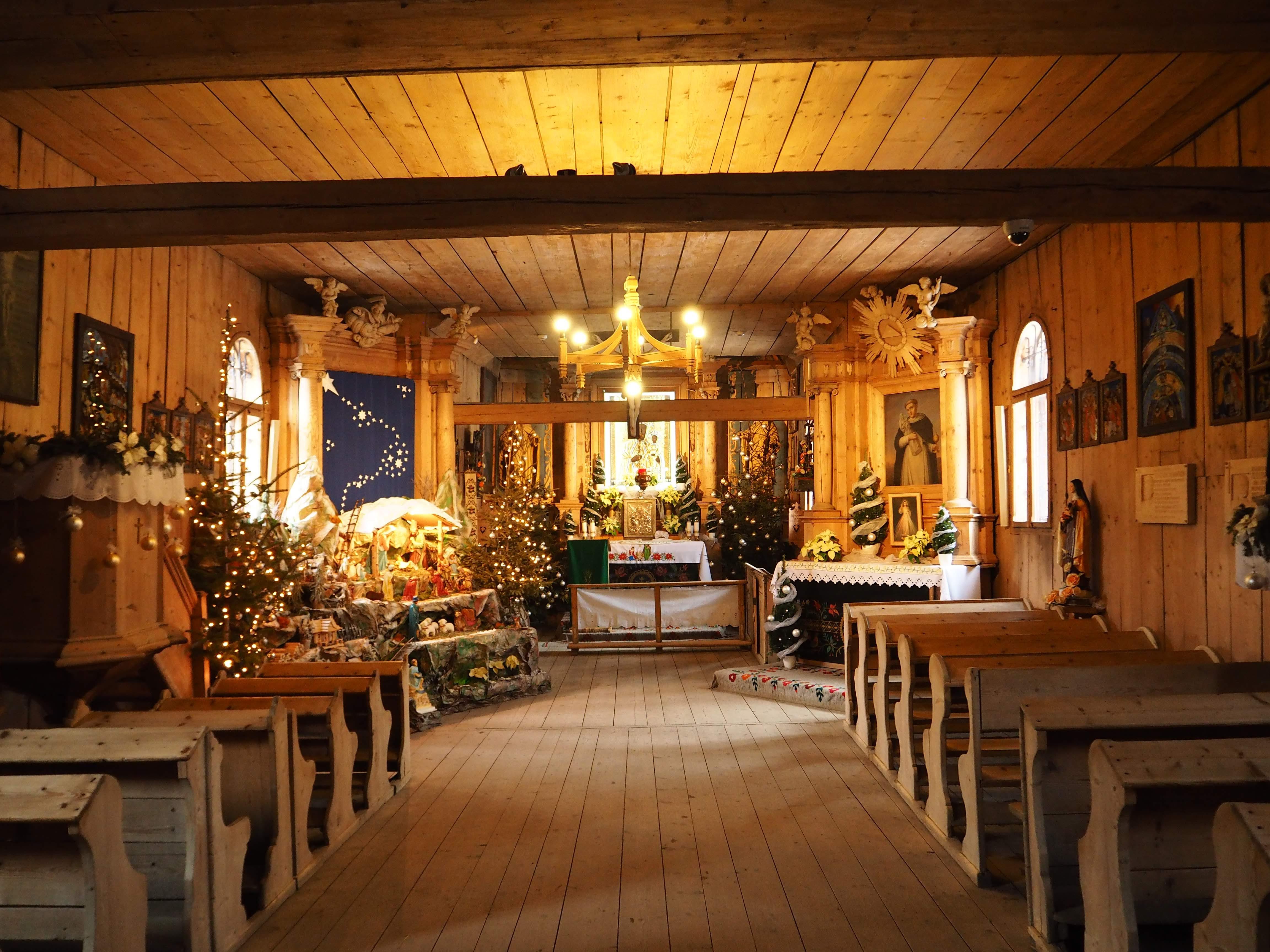 Kościółek na Pęksowym Brzyzku w czasie Świąt Bożego Narodzenia